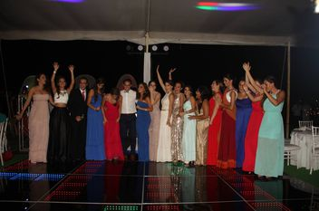 Festejan con baile de graduación