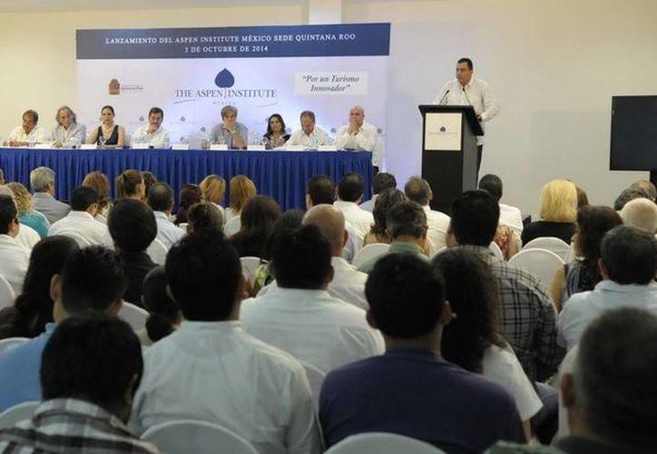 The Aspen Institute México anunció a Quintana Roo como su nueva sede, en un evento que encabezó el secretario de la SEyC, José Alberto Alonso. (Redacción/SIPSE)
