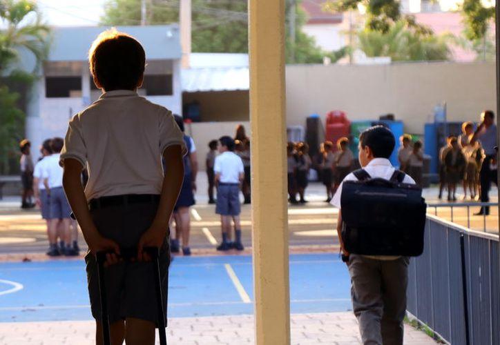 En Yucatán se tienen registradas mil 200 primarias y secundarias, 150 preparatorias y 62 universidades. (Jorge Acosta/Milenio Novedades)