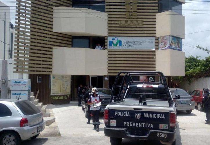 El establecimiento, ubicado en la Supermanzana 27, fue asaltado a plena luz del día; el asaltante llevaba un arma de fuego. (Eric Galindo/SIPSE)