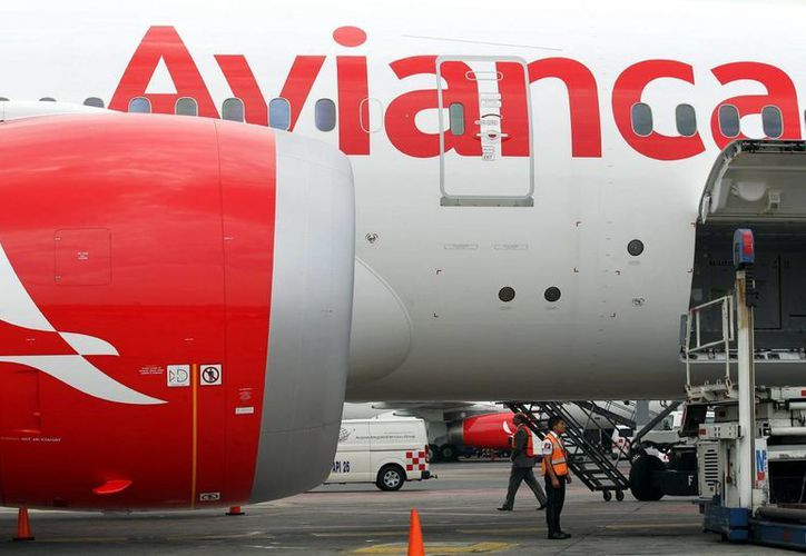 Diez trabajadores de la aerolínea Avianca están entre los detenidos en el marco de la operación 'Pájaro azul'. Imagen de contexto, solo para fines ilustrativos. (Archivo/Notimex)