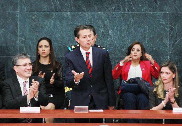 El presidente Enrique Peña Nieto anunció leyes contra la tortura y desaparición de personas, durante la ceremonia de Entrega del Premio Nacional de Derechos Humanos 2015. (Notimex)