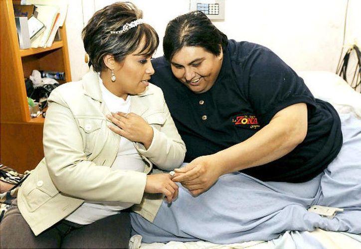 """El subdirector del Hospital Universitario de Nuevo León, Edelmiro Pérez, aseguró que la obesidad mórbida que tenía Manuel Uribe Garza """"era irreversible"""". (nydailynews.com)"""