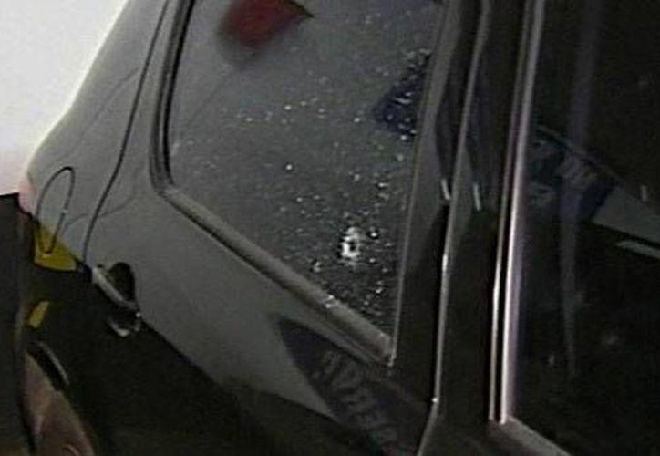 La mujer que baleó el Peugeot 307 (foto) se bajó de una camioneta Ford Eco Sport. (prensaescrita.com)