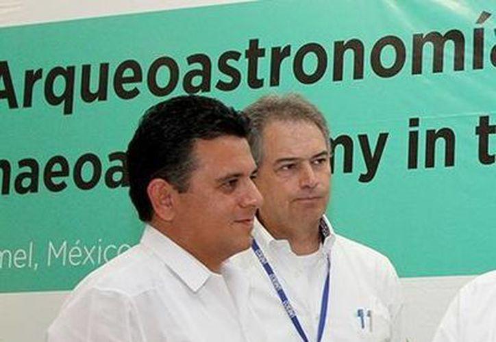 Rodrigo Llanos se presentó como asesor de la presidencia. (Irving Canul/SIPSE)