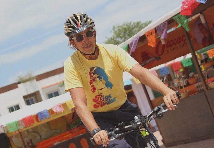 Junto con la Embajada de la bicicleta, busca fomentar el uso de este transporte ecológico. (Rafael Acevedo/SIPSE)