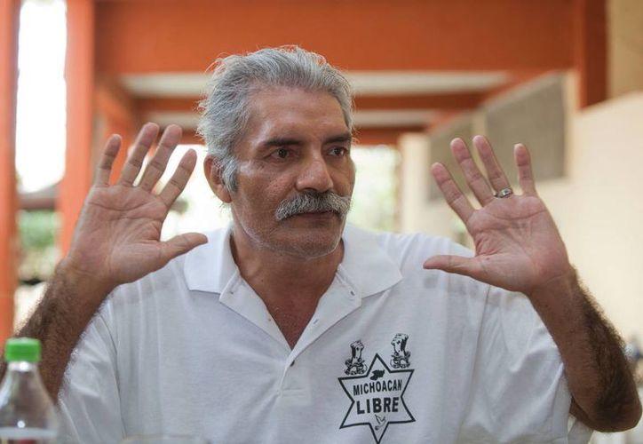 José Manuel Mireles ha estado poco más de un año en prisión. Este viernes, la PGR dijo que el líder de las autodefensas de Tepalcatepec recobrará su libertad en breve. (Archivo/Agencias)