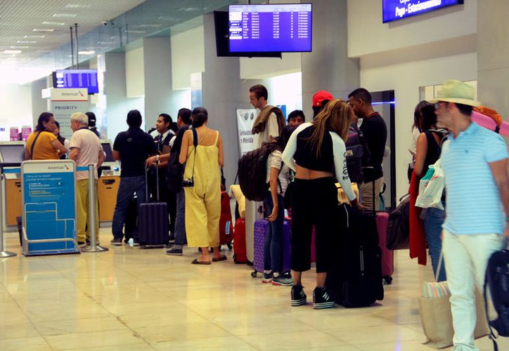 El aeropuerto de Mérida reporta elevada afluencia. (Jorge Acosta/Novedades Yucatán)