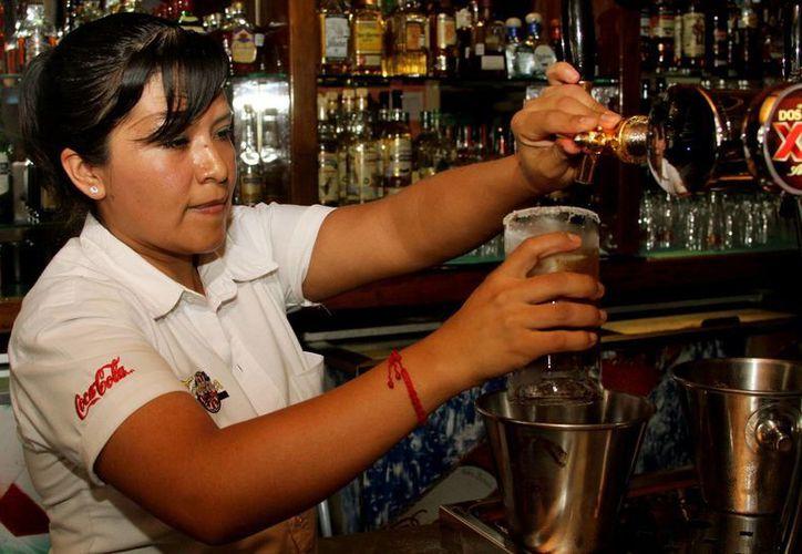 Los bares y discotecas de Playa del Carmen acatarán la Ley Seca de 48 horas, dispuesta por la jornada electoral el 7 de junio. (Octavio Martínez/SIPSE)