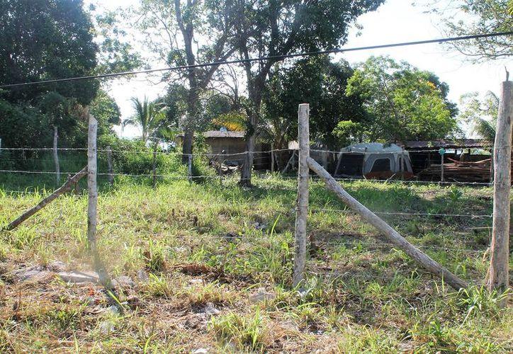 Habitantes del Pueblo Mágico de Bacalar temen ser despojados de sus terrenos. (Javier Ortiz/SIPSE)
