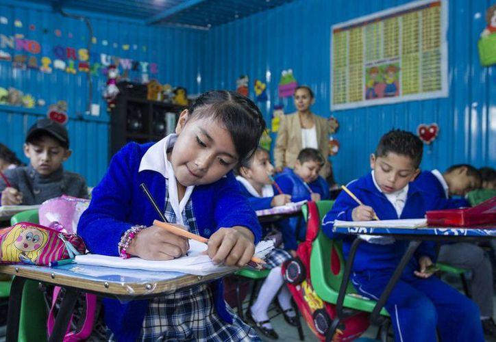 El acuerdo, que entrará en vigor mañana viernes, indica que el calendario escolar contemplará un mínimo de 185 días y un máximo de 200 días efectivos de clase. (Archivo/Notimex)