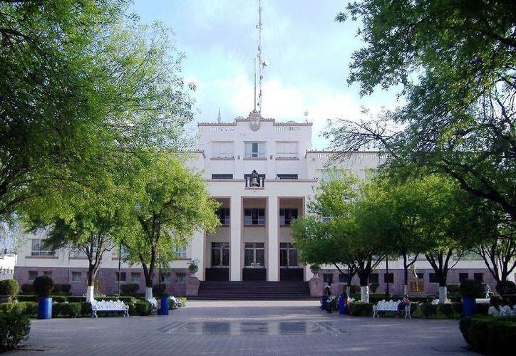 La granada se activó en la plaza donde se ubica el Palacio de Gobierno.(pricetravel.com.mx)