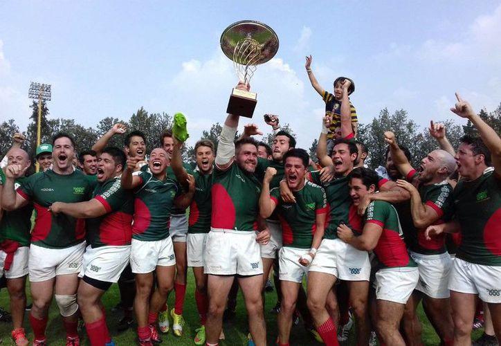 La selección de rugby de México vención a su similar de Guayana y se encuentra un triunfo de calificar al Mundial del Japón 2019. (Twitter: @Rugby_Mexico)
