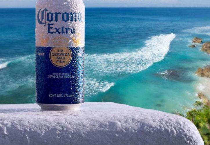 AB InBev vende marcas globales e internacionales como Budweiser, Corona, Stella Artois y Becks, así como locales como Estrella, Modelo, Brahma. (facebook.com/Coronamusic)