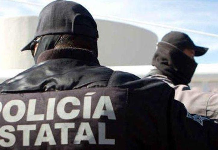Elementos de la Procuraduría de Justicia de Michoacán, arrestaron al ex presidente municipal de Acuitzio, Michoacán Francisco Gómez Olivos. (@1070noticias)