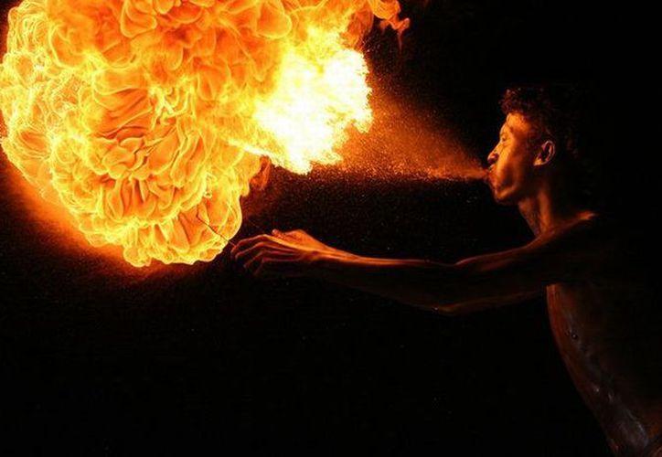 Algo salió mal y el fuego terminó por propagarse en su rostro. (Foto: Contexto/Internet).