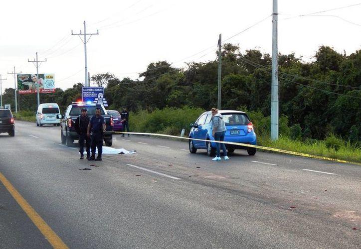 El peatón atropellado en la carretera Puerto Aventuras-Tulum no fue identificado. (Redacción/SIPSE)