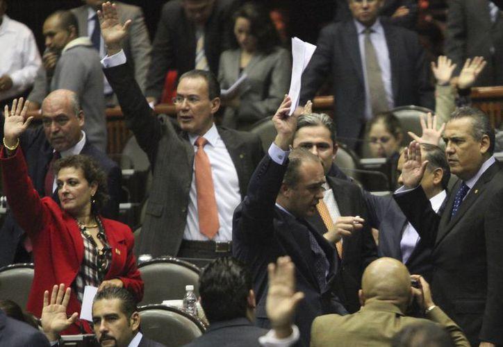 Los diputados recibieron un informe de la Segob sobre el comportamiento de la inversión extranjera en México. (Notimex)