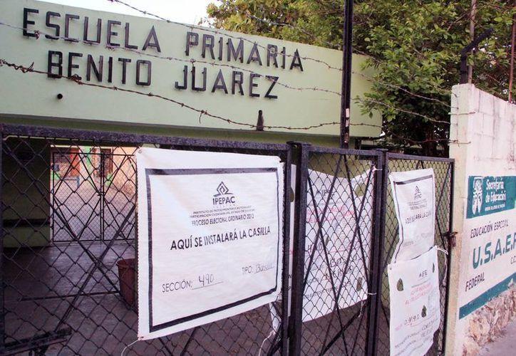Muchas escuelas de Yucatán cuentan con las instalaciones adecuadas para recibir los votos. Imagen de la escuela primaria Benito Juárez. (Milenio Novedades)