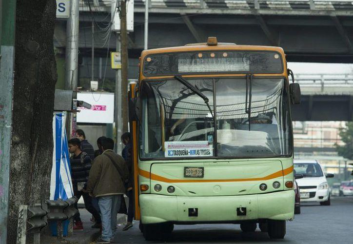 El Trolebus, el Tren Ligero y otras unidades de transporte público serán gratuitas a partir de este martes. (Notimex)