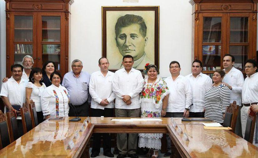 Mediante la firma de un contrato con el Inali, el Indemaya se convierte en el primer Centro de Evaluación del país, en este caso para la lengua maya peninsular. (SIPSE)