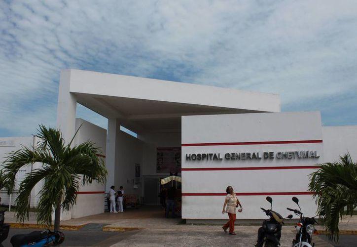 El tesorero del Colegio de Médicos, afirmó que habrá servicios de urgencia, terapia intensiva y quirófanos. (Ángel Castilla/SIPSE)