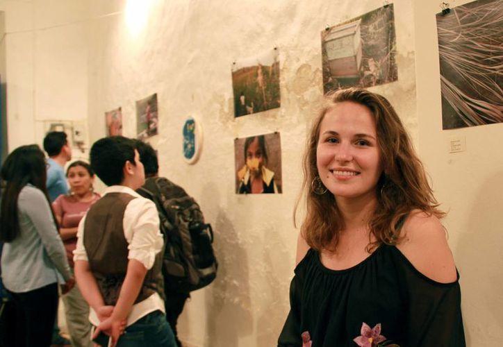La artista Rebecca Haydú(foto) contó con la participación del grupo de artesanos de Yaxhachén, Oxkutzcab. (Jorge Acosta/Milenio Novedades)