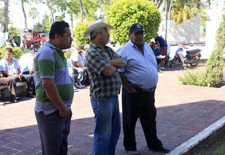 Los candidatos deberán cubrir el respaldo ciudadano del dos por ciento de los electores registrados en el padrón de los municipios que representa cada uno. (Jorge Carrillo/SIPSE)