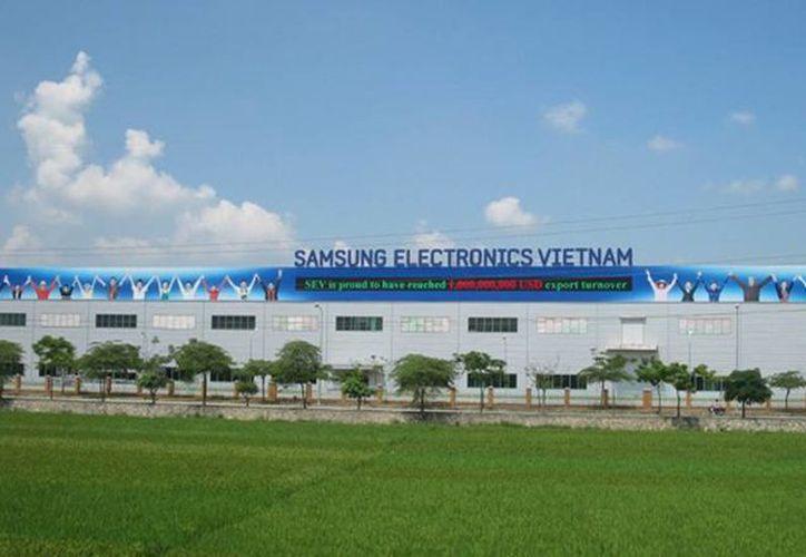 Cerca de 10,000 trabajadores construyen la planta de Samsung en la provincia de Thai Nguyen. (Foto de contexto tomada de  techdaily.vn)