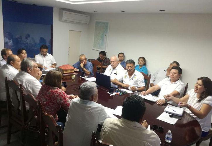 Representantes del Consorcio, autoridades estatales y productores locales se reunieron. (Joel Zamora/SIPSE)