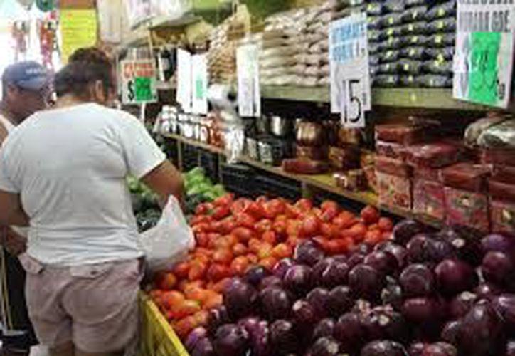 Se espera que al cierre del primer semestre del año el índice de precios al consumidor continúe a la alza. (Archivo/Sipse)