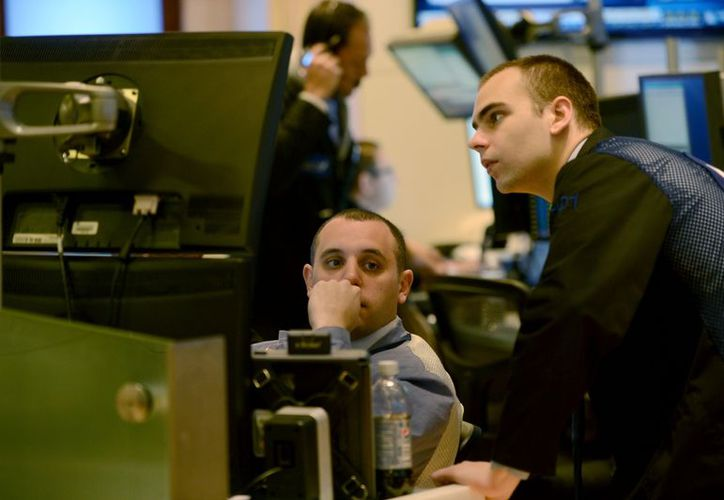 Wall Street resultó afectado luego que las elecciones presidenciales de la víspera definieron a un Congreso dividido. (Agencias)