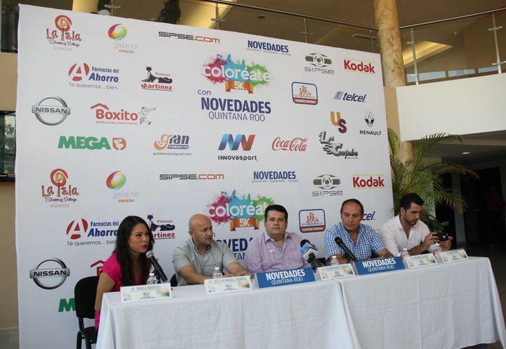 Presentaron de forma oficial el evento en las instalaciones de la Televisora de Cancún. (Raúl Caballero/SIPSE)