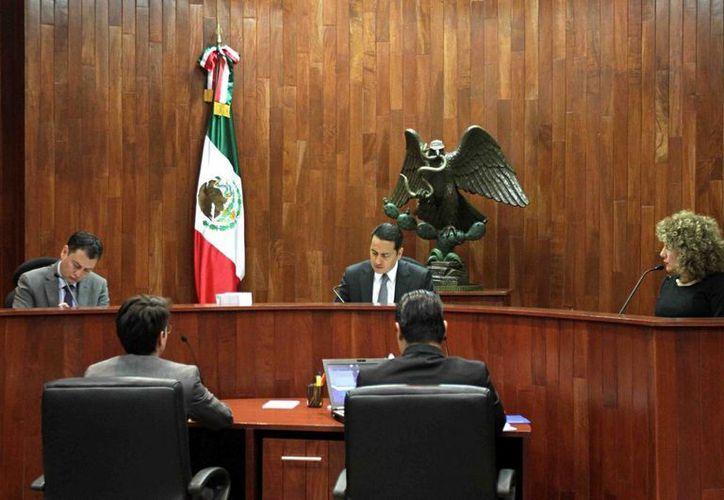 La negociación entre PRD y PT fue posible gracias a que el INE alargó sus plazos por mandato del Tribunal Electoral Federal. (Foto de archivo de Notimex)