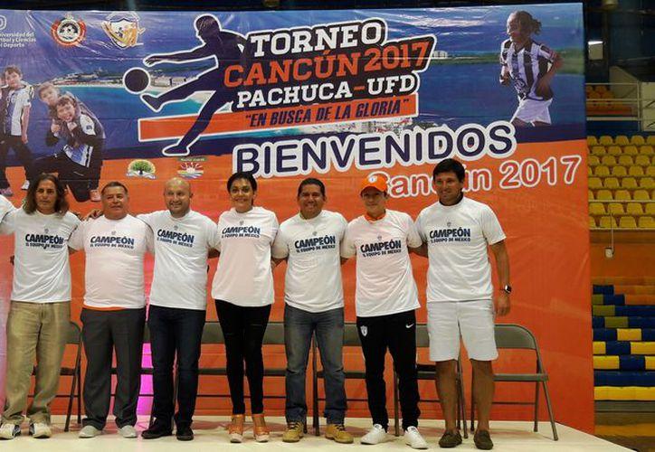 La ceremonia de inauguración se realizó en el Poliforum Benito Juárez. (Ángel Villegas/SIPSE)