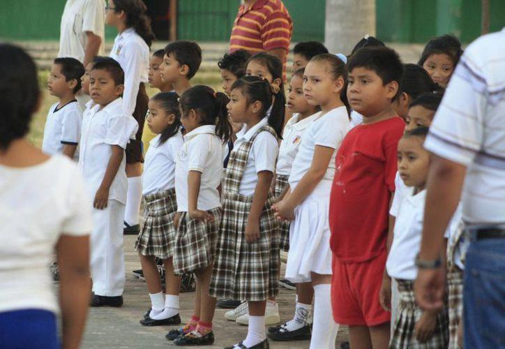 Las escuelas de nivel básico en Quintana Roo ya podrán organizar los festivales de fin de curso. (Harold Alcocer/SIPSE)