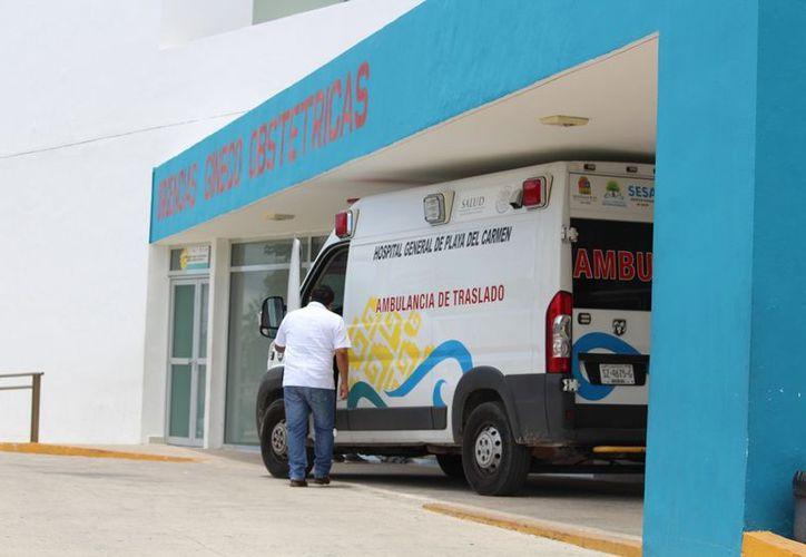 El profesor se encuentra entubado en el Hospital General de Playa del Carmen. (Redacción/SIPSE)