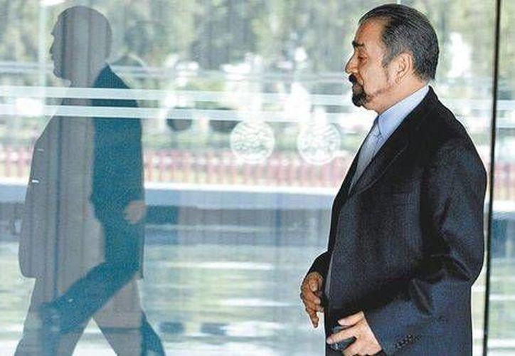 Francisco Hernández Juárez, líder del Sindicato de Telefonistas, djijo que cabe la posibilidad de que Telmex se fusione con América Móvil. (Milenio)