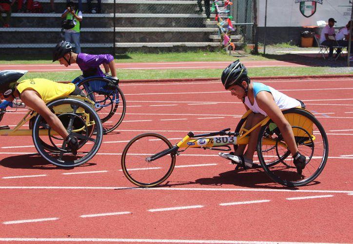 La selección de atletismo de Quintana Roo cosechó tres medallas más en la Paralimpiada Nacional 2018, que se celebra en Colima. (Cortesía)