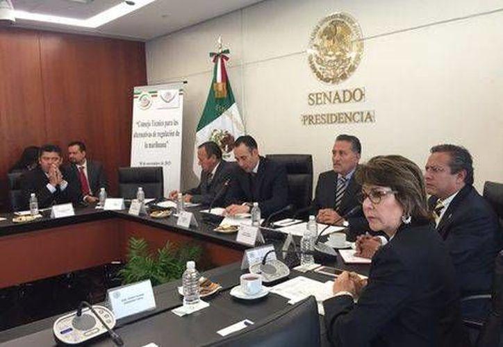 Instalación del Consejo Técnico para las Alternativas de Regulación de la Mariguana, esta mañana, en la ciudad de México. (Foto: Twitter/@SenadoresPRD)