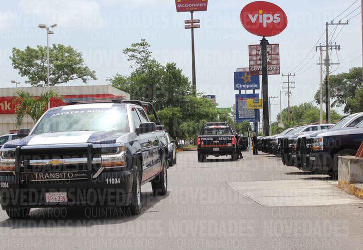 Las corporaciones policíacas han implementado una serie de operativos que incluyen puntos de revisión. (Benjamín Pat/SIPSE)