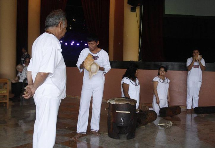 El hotel tendrá un espectáculo de danzantes mayas como parte del entretenimiento de los turistas. (Octavio Martínez/SIPSE)