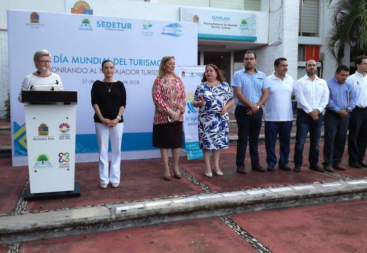 Los trabajadores se convierten en turistas y disfrutarán los atractivos de Quintana Roo. (Redacción)