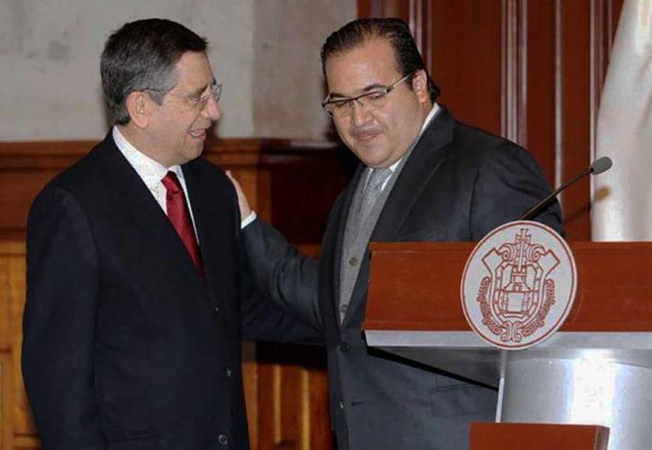 Antoni Gómez Pelegrín (izq) fue el sexto secretario de Finanzas que nombró Javier Duarte durante su periodo de gobierno. (Libertad Bajo Palabra)