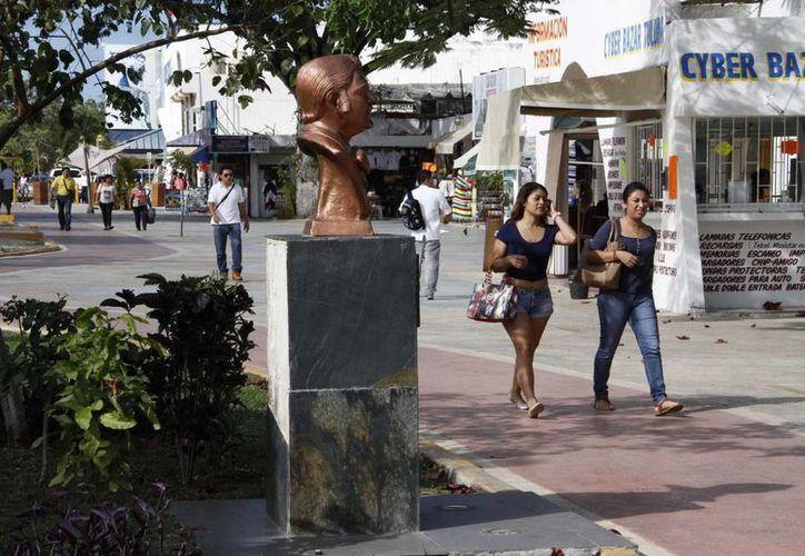 Colocarán al menos cuatro bustos más en la zona. (Tomás Álvarez/SIPSE)