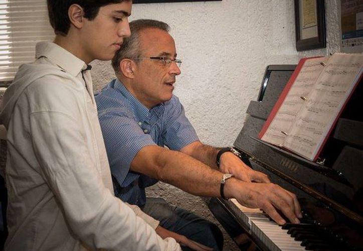 Se espera que cada joven pianista pula con este encuentro, la pieza que previamente preparó. (Alejandra Flores/SIPSE)