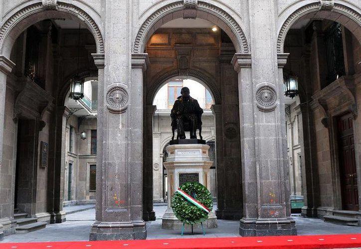 Las autoridades federales destacaron el legado de Benito Juárez García a 210 años de su natalicio. (Presidencia)
