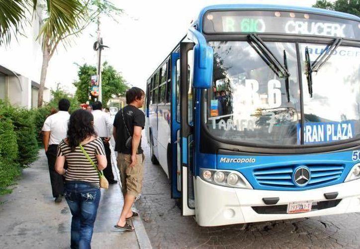 Algunas rutas del transporte informaron oportunamente la fecha de aplicación de la nueva tarifa. (Archivo/SIPSE)