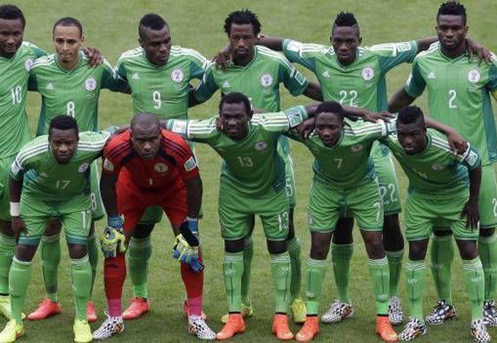 La selección nigeriana de futbol recupero sus derechos como miembro de FIFA. (AP)