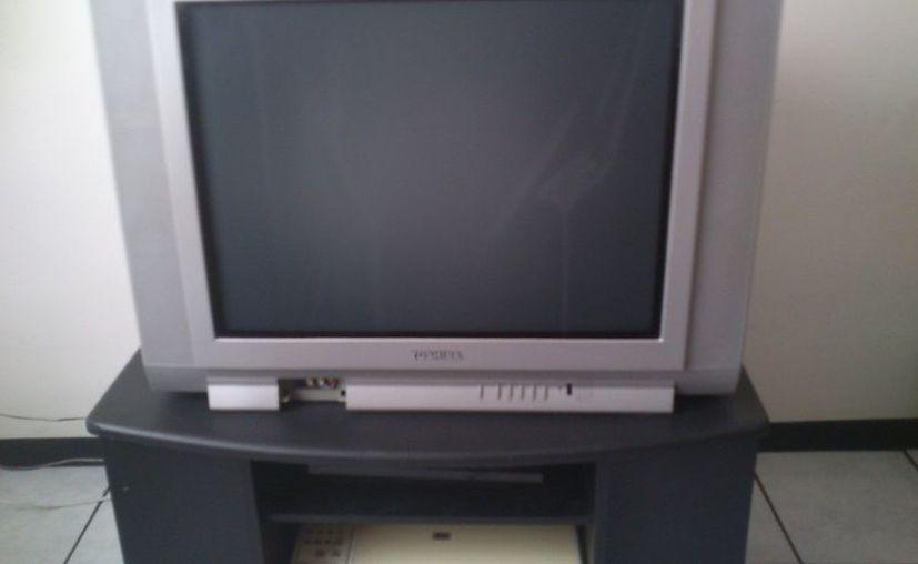 Aún existente oferta de televisores análogos en el mercado mexicano. (mlstatic.com)